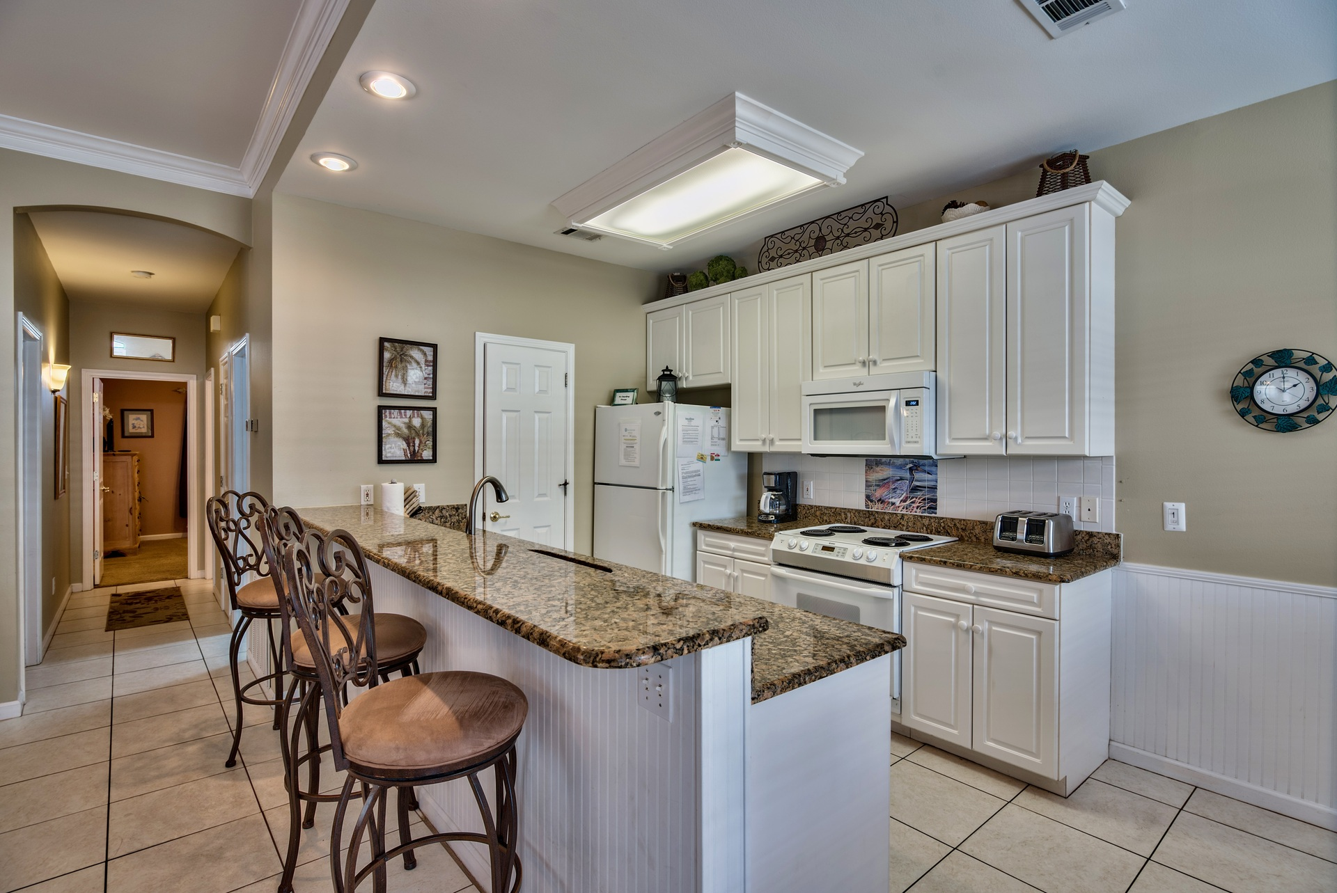 Fully Equipted Kitchen, With Granite Countertops